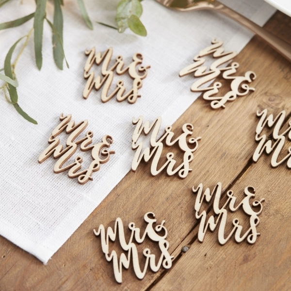 Picture of Mr & Mrs Wooden Table Confetti