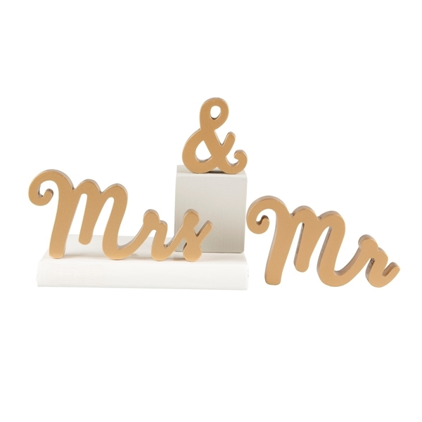 Picture of Mr & Mrs gold standing letters