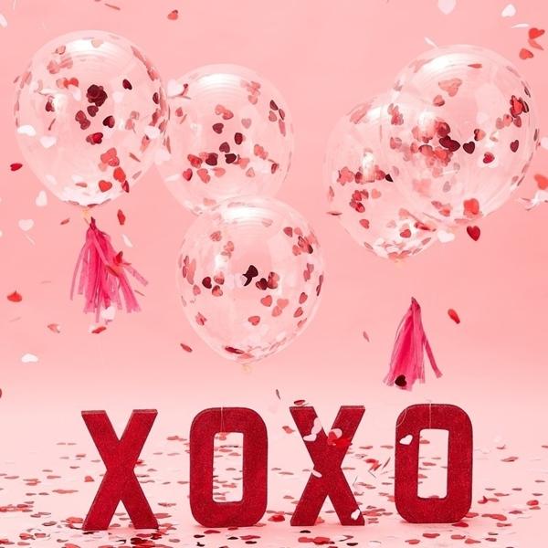 Μπαλόνια με κομφετί καρδιές
