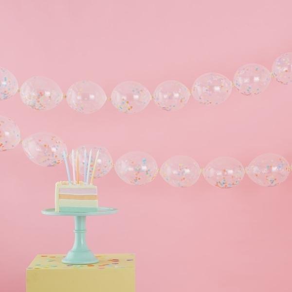 Γιρλάντα από μπαλόνια με κομφετί