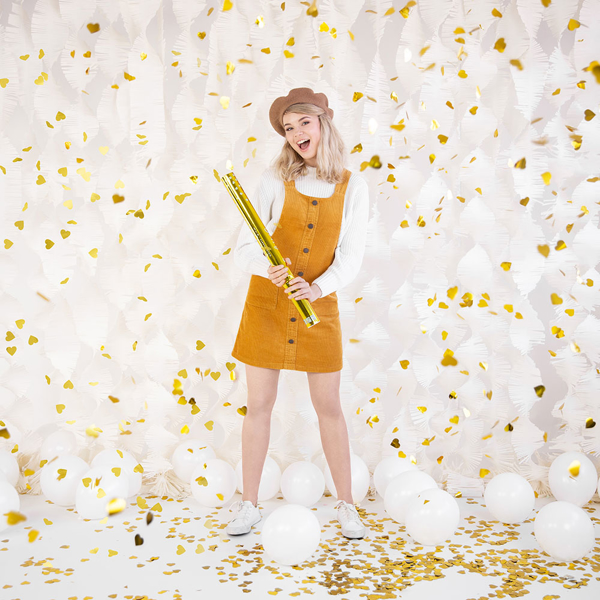 Picture of Confetti cannon with gold hearts
