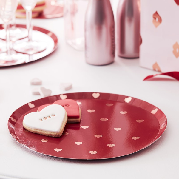 Picture of Red plates with rose gold hearts