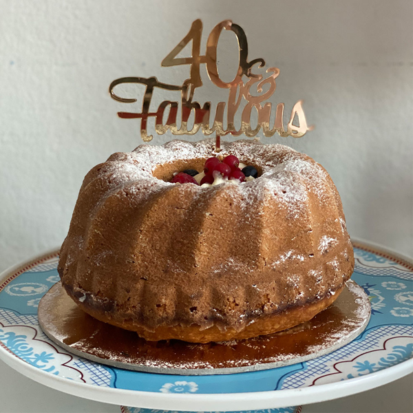Picture of Cake topper - 40 & Fabulous