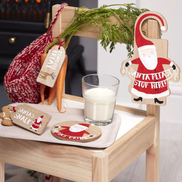 Picture of Wooden Santas coming Christmas eve kit