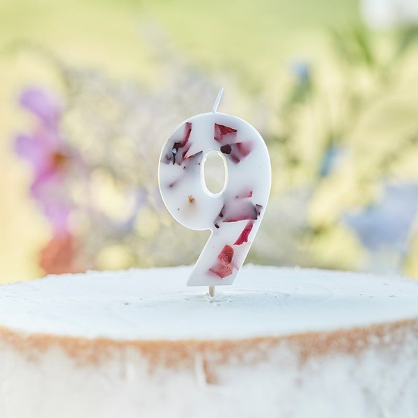 Picture of Pressed petal  number 9 birthday cake candle